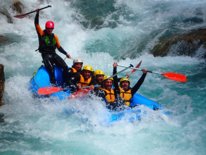 Rafting de aguas bravas en Montanejos - Valencia