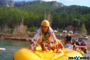Máxima Aventura - Humor Amarillo, gincana acuática en Montanejos